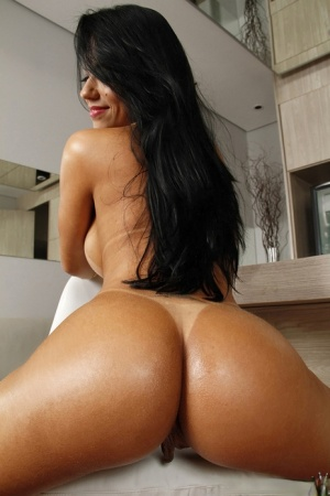 amateur bent over showing pussy