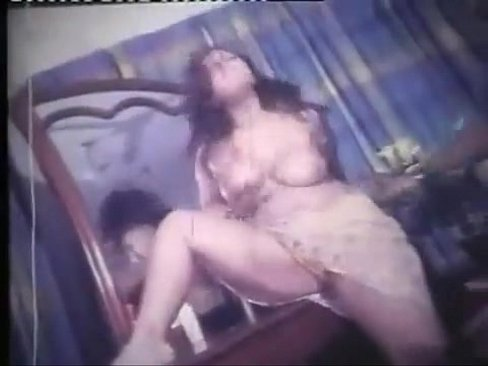 Full nude song