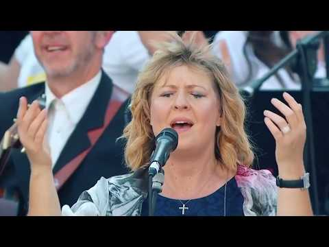 Youtube darlene zschech shout to the lord